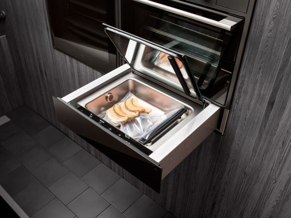 Advanced cooking with vaccum drawer from ASKO