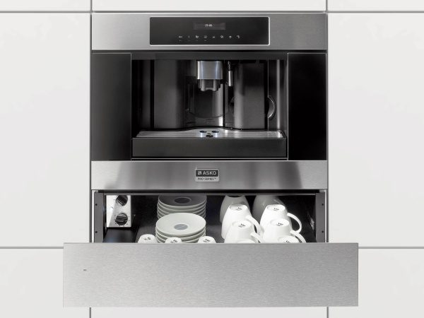 Warm your plates and cups in warming drawer from ASKO
