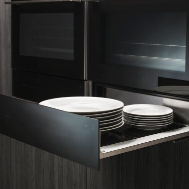 Heat your plates with warming drawer from ASKO.