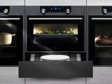 Store your plates close to your ASKO oven