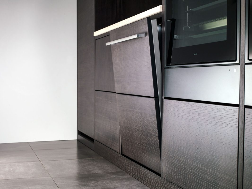 Perfect integration with sliding door on ASKO dishwasher.