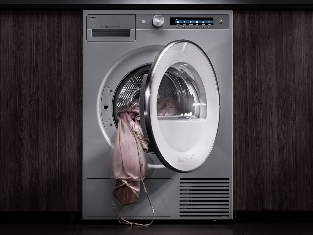 Dryer with heat pump from ASKO Pro Laundry enables gentle drying.